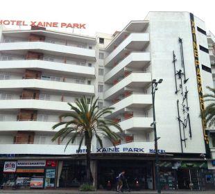 Straßenfront Hotel Xaine Park