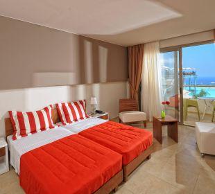 Luxury Suite Hotel Royal Heights Resort