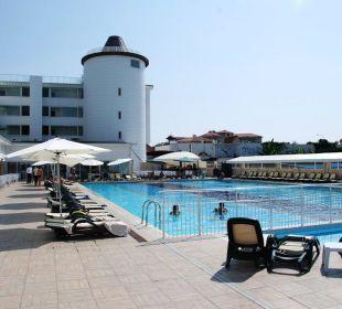 Pool  Orient Hotels Roxy Resort