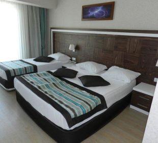 Ładny i przyjemny pokój, szkoda ze nie sprzątany Orient Hotels Roxy Resort