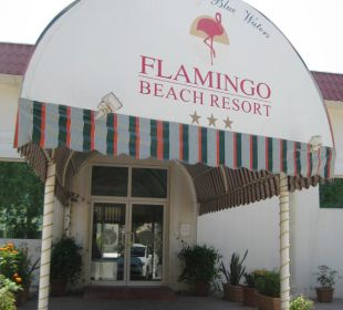 Eingang Hotel Flamingo Beach Resort