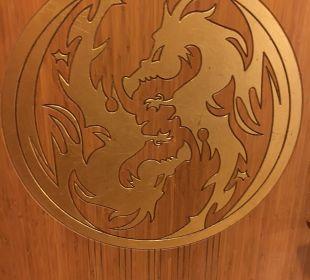 Überall schöne Drachen Hotel Royal Dragon