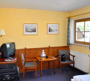 Sitzecke mit TV Ettrich's Hotel