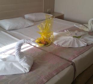 Dekoriertes Bett Hotel Can Garden Resort