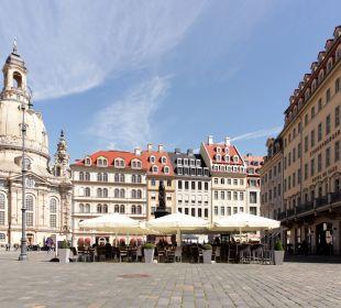 Außenansicht und Sommerterrasse Steigenberger Hotel de Saxe
