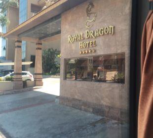 Eingang Hotel Royal Dragon