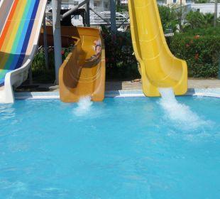 Gefahrlos Rutschen in eigenem Becken Hotel Side Sun