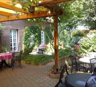 Hotel- Garten/ - Terrasse  Hotel Landhaus Wremer Deel