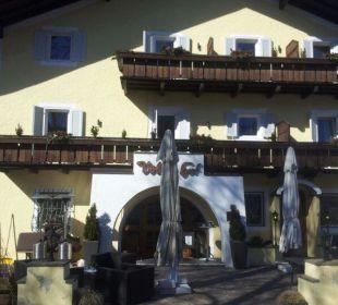 Der Eingangsbereich des Gartenhotels Gartenhotel Völser Hof