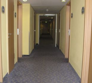 Korridor auf der 4. Etage Park Plaza Prenzlauer Berg Berlin (geschlossen)