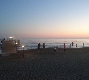 Strand am Abend Hotel Club Kastalia