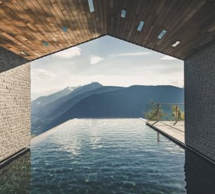 Infinity Pool with a view South Tyrol Terrazza MIRAMONTI Boutique Hotel
