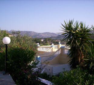 Terrasse oben vom Hotel Hotel Karavos