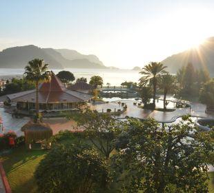 Poolanlage des Hotels Martı Resort De Luxe