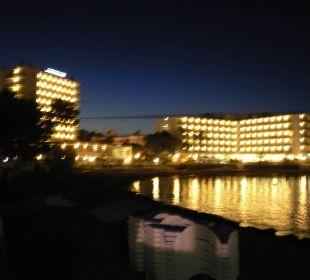 Das FIESTA Hotel Millord am Abend Fiesta Hotel Milord