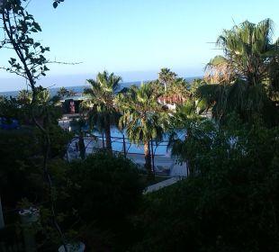 Blick vom Zimmer zum Pool Oz Hotels Incekum Beach