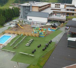 Poolbereich & Spielplatz Hotel Gartnerkofel