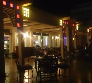 Orientalisches Lokal Dana Beach Resort