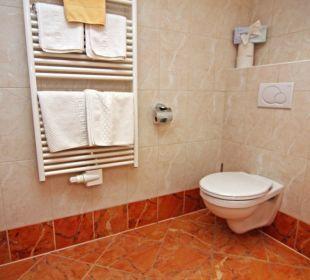 Geräumiges Badezimmer Hotel Loipenstub'n