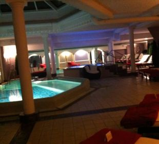 Innenpoolbereich Romantischer Winkel SPA & Wellness Resort