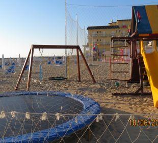 Spielplatz am Strand  Hotel Palos