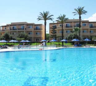 Pool Hotel Horizon Beach Resort