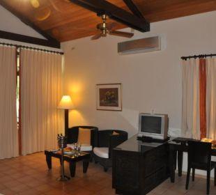 Schreibtisch und Sitzecke Henann Resort