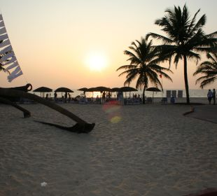 Strand direkt an der Hotelanlage Hotel Holiday Inn Resort Goa