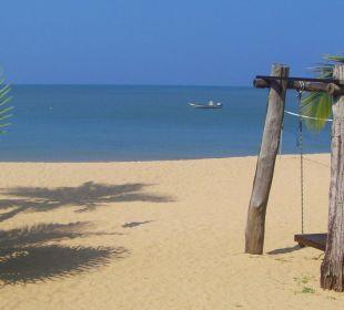 Strand vor dem Restaurant C&N Kho Khao Beach Resort