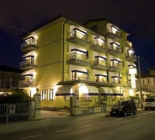 Für Parkplätze wird gesorgt bei Andrang Hotel Fortunella