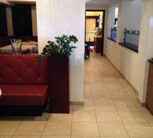 Lobby und Hauptdurchgang Hotel Castel