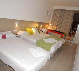 Großzügiges, behindertengerechtes Zimmer JS Hotel Sol de Alcudia