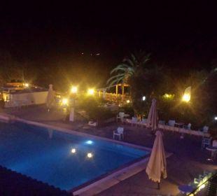 Aug 16 - Ausblick vom Hotelzimmer abends Hotel Elea Beach