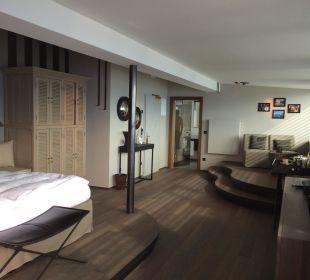 007 MIRAMONTI Boutique Hotel