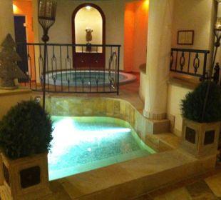SPA-Bereich mit Kneipp-Fußbecken und Whirlpool Romantischer Winkel SPA & Wellness Resort