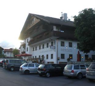 Das Hotel zur Strassenseite Familien-Landhotel Stern