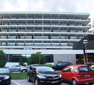 Vorderansicht Hotel Golf