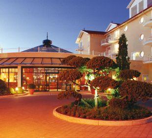 Hoteleingang Travel Charme Ostseehotel Kühlungsborn