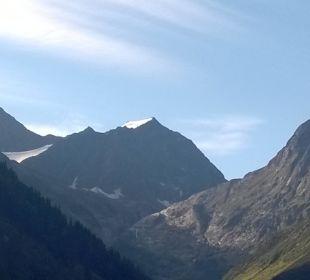 Blick vom Hotel Richtung Gletscher Sportiv-Hotel Mittagskogel