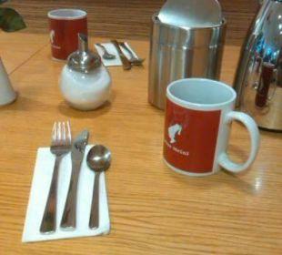 Frühstückstisch Senator Hotel
