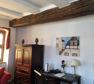 TV Schrank und Schreibtisch Hotel Wyndham Garden Quedlinburg Stadtschloss