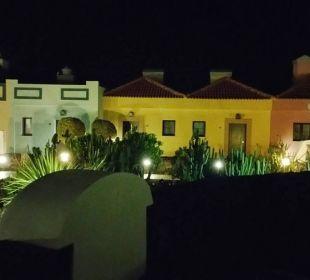 Die Zimmer, sieht aus wie ein Spanisches Dörfchen Hotel Luz Del Mar