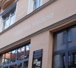 Vor der Tür Hotel The Medusa