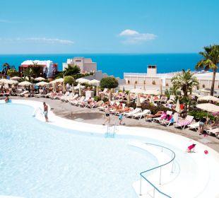 Swimming pool outdoor ClubHotel Riu Vistamar