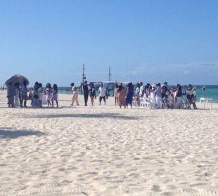 Strand vorm Preff Club, täglische Hochzeiten Now Larimar Punta Cana