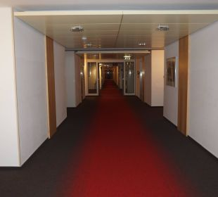 Flur Kongresshotel Potsdam am Templiner See