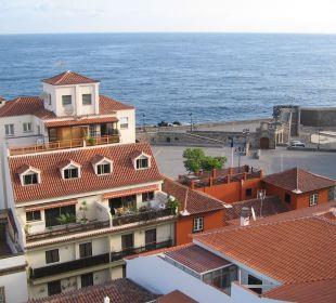Blick nach Süden auf Festungsanlage und Meer