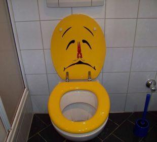 WC-Deckel offen Smile Hotel