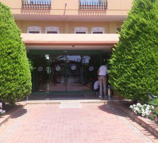 Eingang  Hotel Arabella World