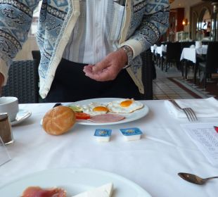 Frühstück, wie immer, im Freien Apartments and Bungalows Sol Barbacan